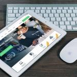 Tradycyjna Nokia 300 dla biznesmenów oraz popularne smartfony dla młodych